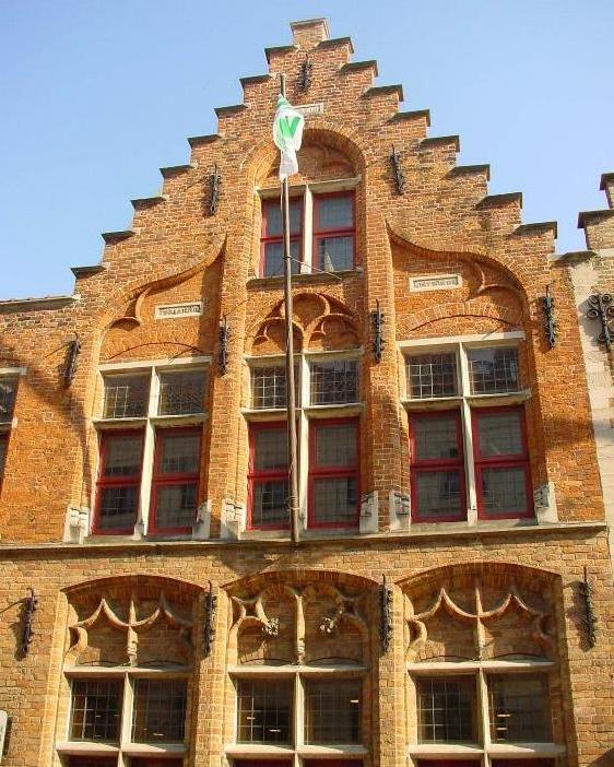 De oorsprong van de trapgevel - Oude huis gevel ...
