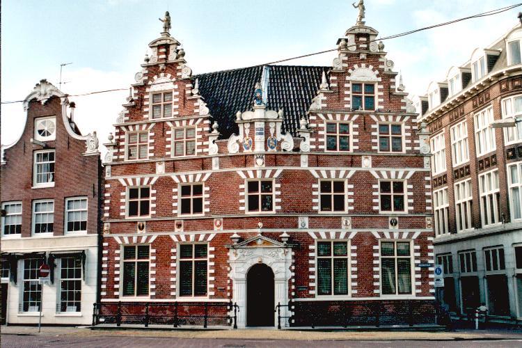Bouwstijlen en geveltypen van hoornse woonhuizen - De mooiste gevels van huizen ...
